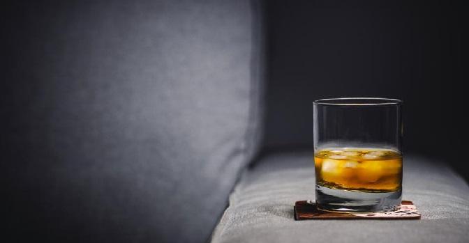 Dowiedz się jakie są fazy nałogu alkoholowego